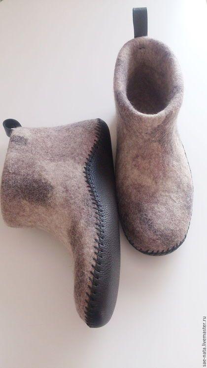 Обувь ручной работы. Ярмарка Мастеров - ручная работа. Купить Тапки-чуни мужские. Handmade. Серый, валяная обувь для мужчин