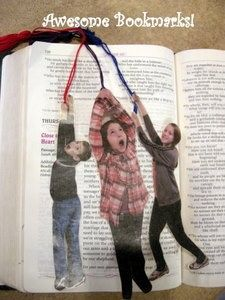 Mom like to read? Give her a bookmark for Mother's Day. These are too funny. Tell kids to pose like they're hanging from a rope. Then turn the photo into a bookmark. Cover with contact paper.