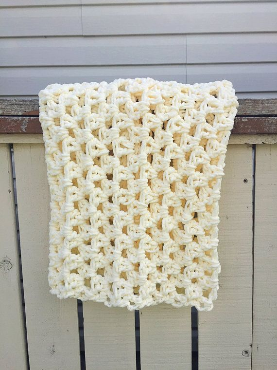 This gorgeous cream baby blanket will be a lovely addition to your little ones nursery! Its great as a baby mat as well, allowing your