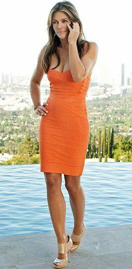 elizabeth_hurley_orange_dress_gossip_girl