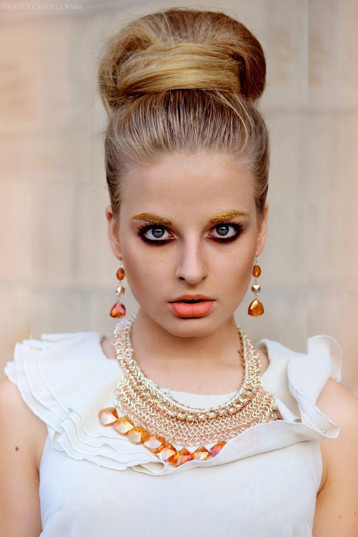 Photo: Danuta Chmielewska Make-up: Agnieszka Bączek Model: Zuzanna Kotas Jewelry: Glitter