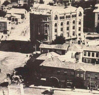 Ankara, Ulus (Türkiye İş Bankası Yapılmış, Önde De En İyi Otel Taşhan) (1943)