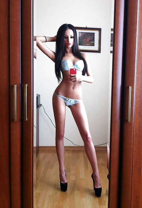 Bodacious bod girl asks for my cum on omegle 5