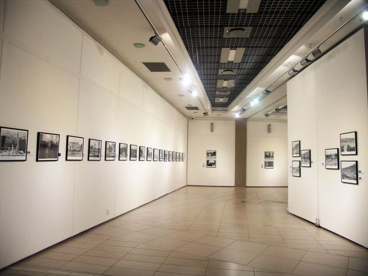 Unisa Art Gallery - Cedric Nunn Exhibition 2015 - Photograph by Lucky Khuzwayo