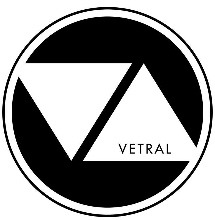 VETRAL.    Nous vous proposons une vaste gamme de produits VETRAL. Notre savoir-faire vous offre le choix d'un visuel à votre image grâce à l'impression numérique sur verre pour un rendu haute définition de qualité. Vous pouvez également choisir dans notre gamme artiste, une oeuvre sur mesure adaptée au format de votre produit.