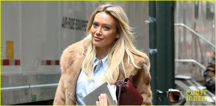 Hilary Duff Speaks About Filming Those 'Awkward' Disney Wand-Waving Promos | hilary duff wand waving commercial 01 - Photo