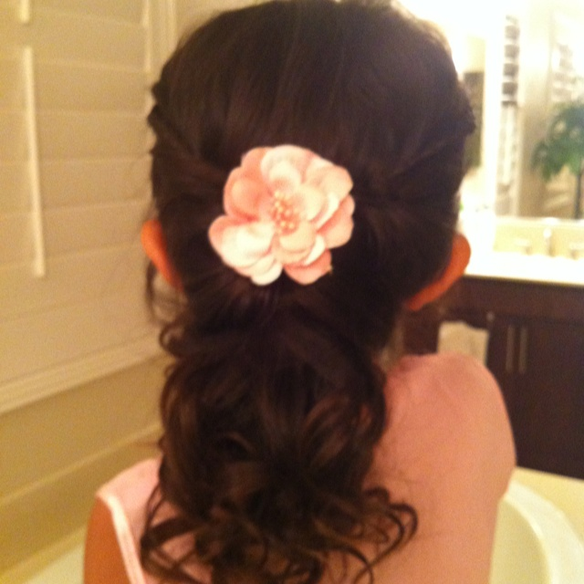 Flower Girl Wedding Hairstyles: 23 Best Images About Flower Girl/ Bridesmaid Hair On Pinterest