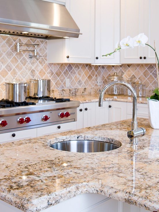Island and perimeters counters in Solarius granite with Ogee edges