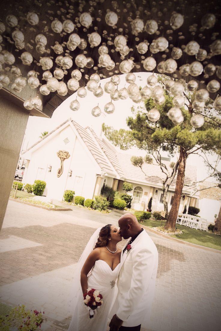17 best images about vegas wedding 5 on pinterest receptions wedding and las vegas. Black Bedroom Furniture Sets. Home Design Ideas