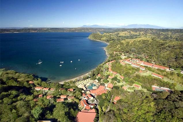 Hilton and Gulf of Papagayo, Costa Rica – Image courtesy of TicoTimes | By Mytanfeet.com