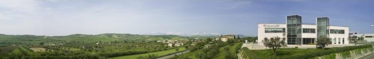 L'edificio sorge in splendida posizione panoramica che si affaccia sul litorale. Giulianova (TE)