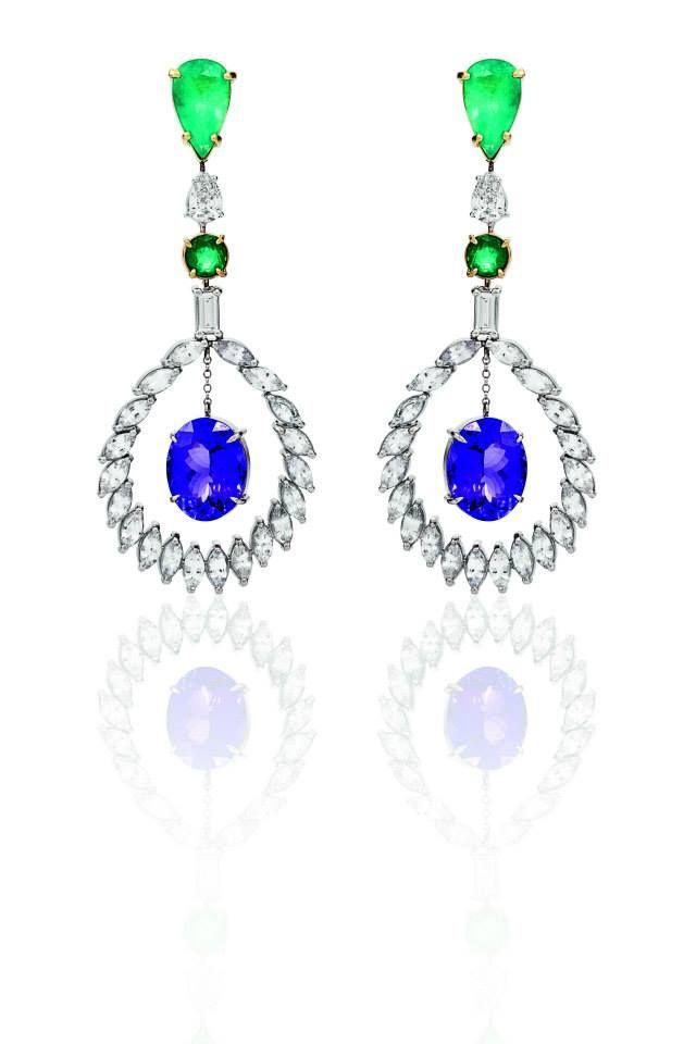 Brinco Tanzânia com esmeraldas, diamantes e raras Tanzanitas
