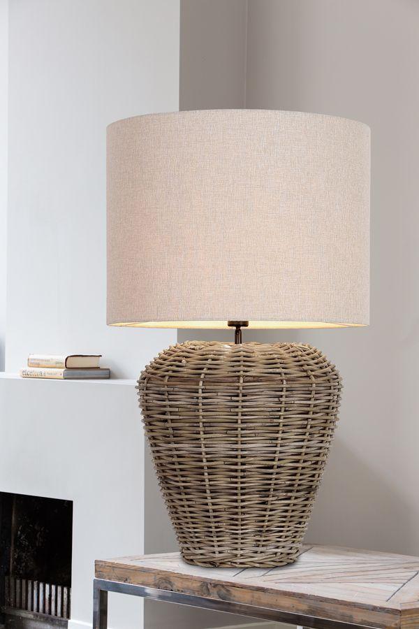 die besten 25 tischlampen ideen auf pinterest tischlampe lampen und messinglampe. Black Bedroom Furniture Sets. Home Design Ideas