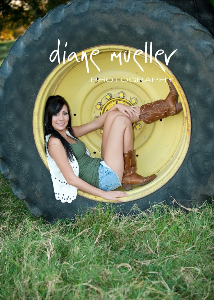 Tractor senior pictures.