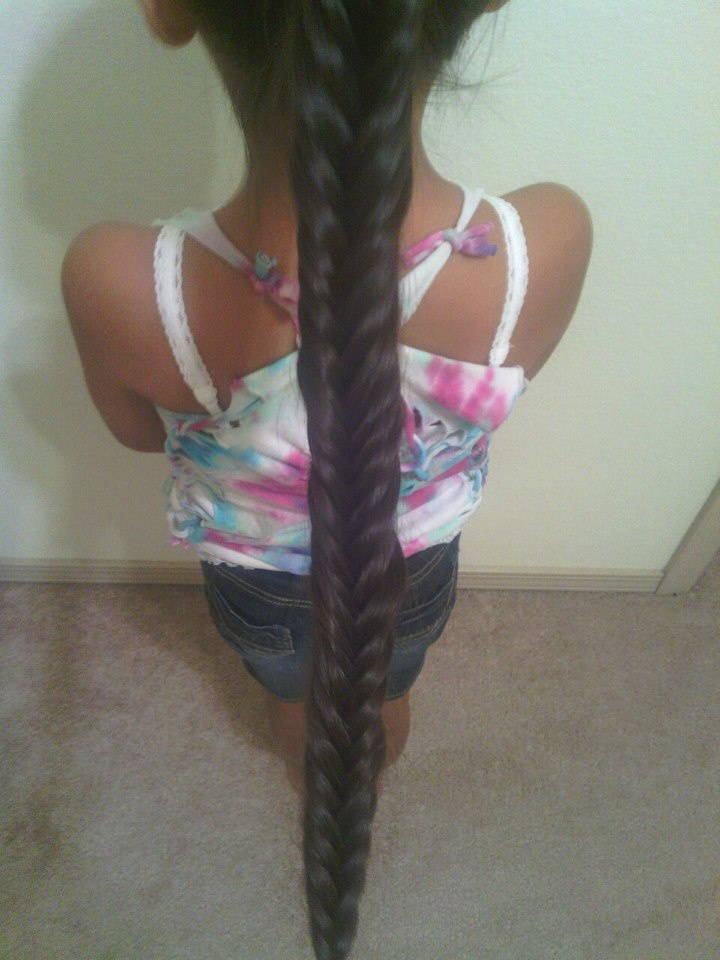 Awesome and easy fishtail braid.