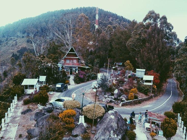 Bukit Tele, Danau Toba