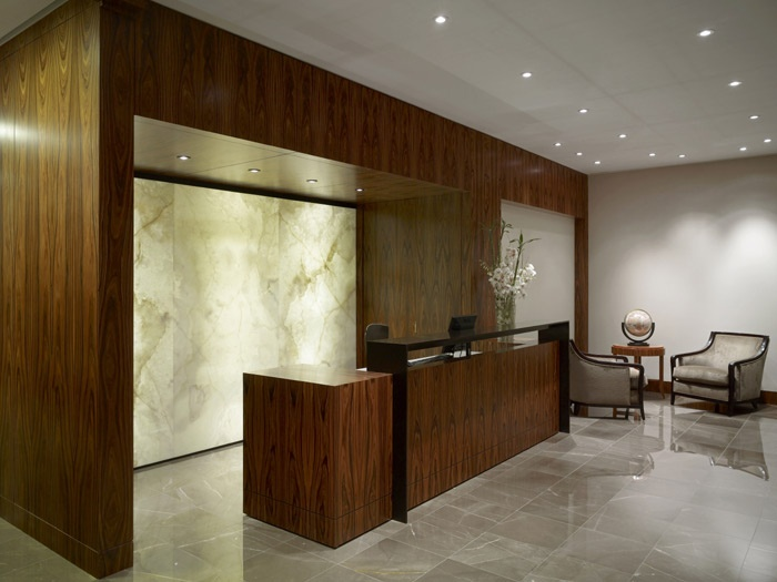 466 best banque d 39 accueil images on pinterest lobby for Office design services