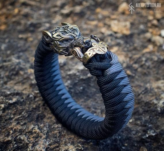 Wolf Two Color Paracord Bracelet With Exclusive Bronze Buckle