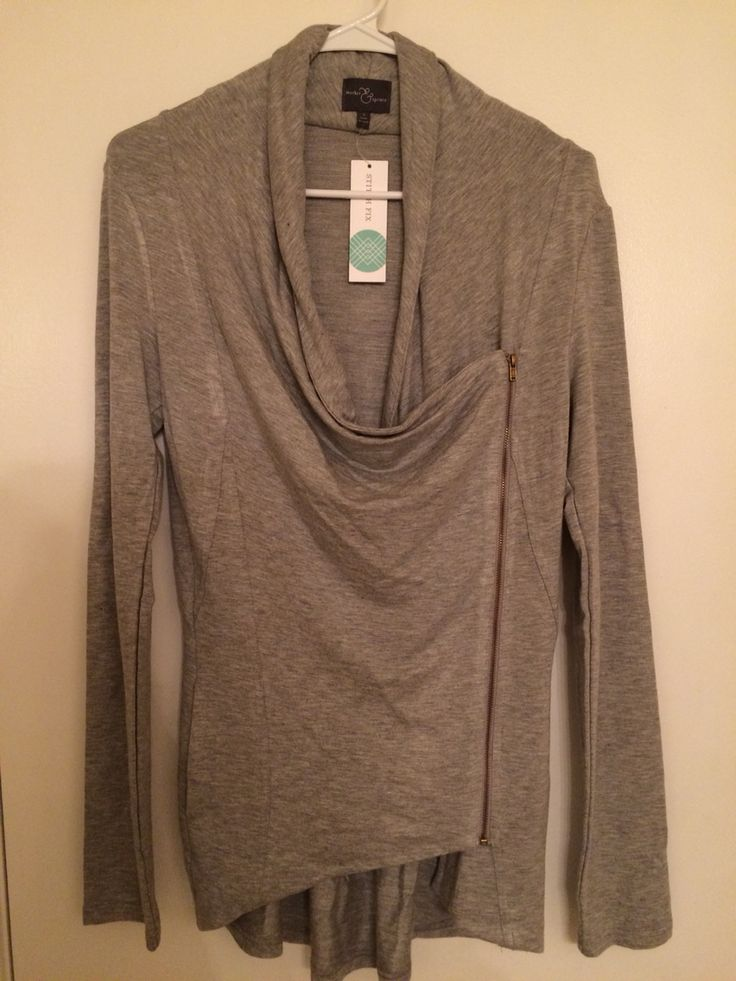Keeping this asymmetrical zip cardigan from Stitch Fix! You can wear it zipped or unzipped. Plus, it's so soft!