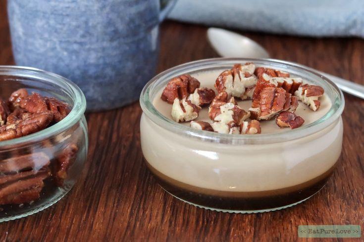 Deze zuivelvrije koffie panna cotta met gekarameliseerde pecannoten is een aanrader voor de koffieliefhebbers onder ons hoor. Enjoy! #pannacotta #koffie #dessert www.eatpurelove.nl
