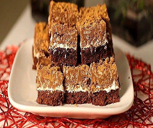 صباااح اللذاااذه رايس كرسبي بكريمة اللوتس مع المارشميلوو والبراوني المقادير ع Texas Sheet Cake Recipe Sheet Cake Recipes Biscoff Cookie Butter