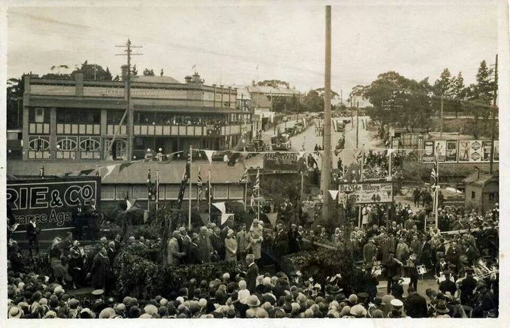 1927 Katoomba for the Duke and Duchess of York royal tour.A♥W