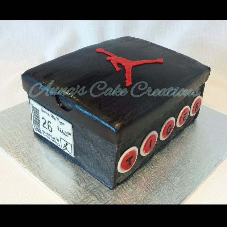 Air Jordan shoe box cake