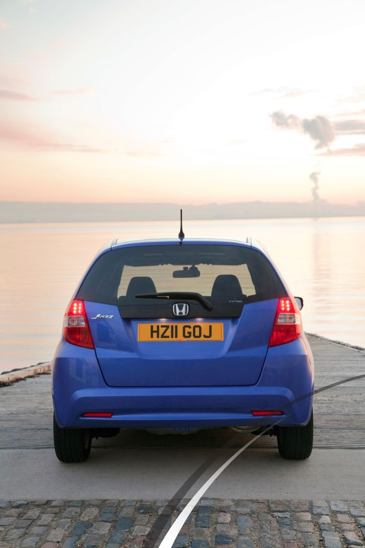 Honda jazz review good value for money excellent load carrying capacity easy