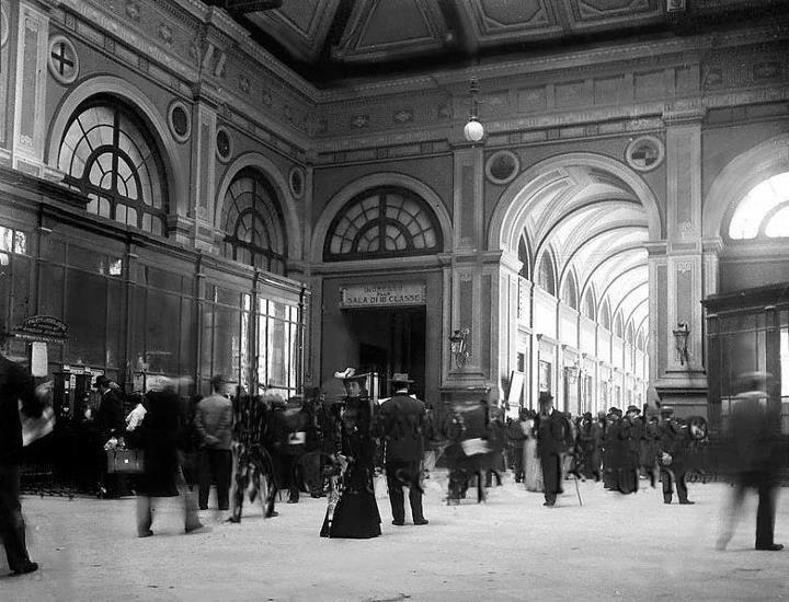 Interno della antica Stazione di Napoli Centrale