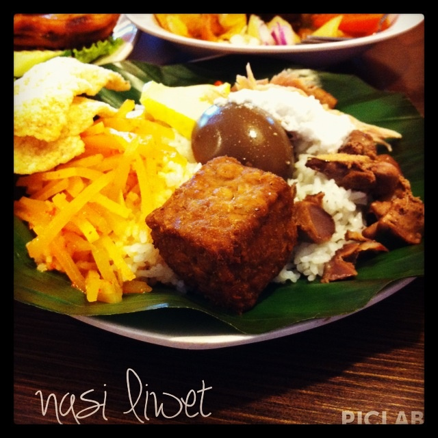 indonesian food - nasi liwet