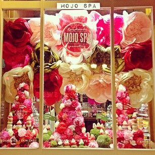 Mojo Spa spring window display a paper flower explosion! #diy #flowers #mojospa #display #entertaining #wedding