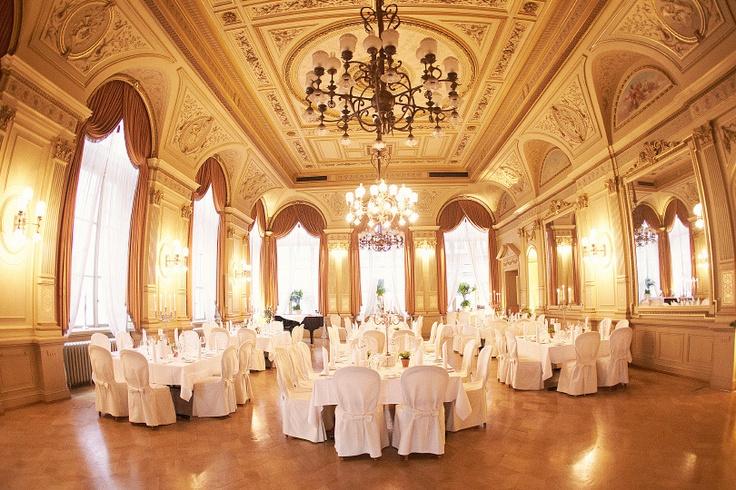 Palais Prinz Carl in Heidelberg Wedding Location Hochzeit Spiegelsaal