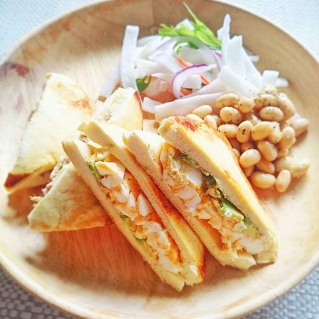 パンを使わずグルテンフリー!朝食は「高野豆腐サンド」でヘルシーに - macaroni