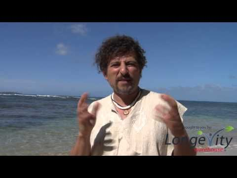 What Do I Eat? - with David Wolfe. Especially like his superfood raw hot chocolate for cold snowy days. Think I might have to try this.