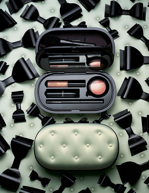 MAC Sinfully Chic and Divine Desire Holiday 2012 Nordstrom Exclusive | http://www.musingsofamuse.com/2012/10/mac-sinfully-chic-divine-desire-holiday-2012-nordstrom-exclusive.html