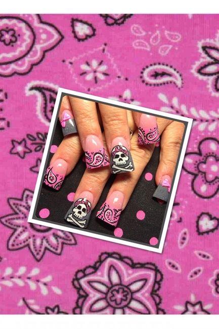 Pink bandana skulls - Nail Art Gallery