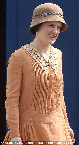 Downton Abbey S6 hats - costumes