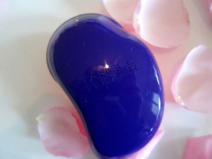 Super zum #Haare kämmen und anschließend #Frisuren stylen der Tangle Teezer http://fasheria.com/spring-essentials/