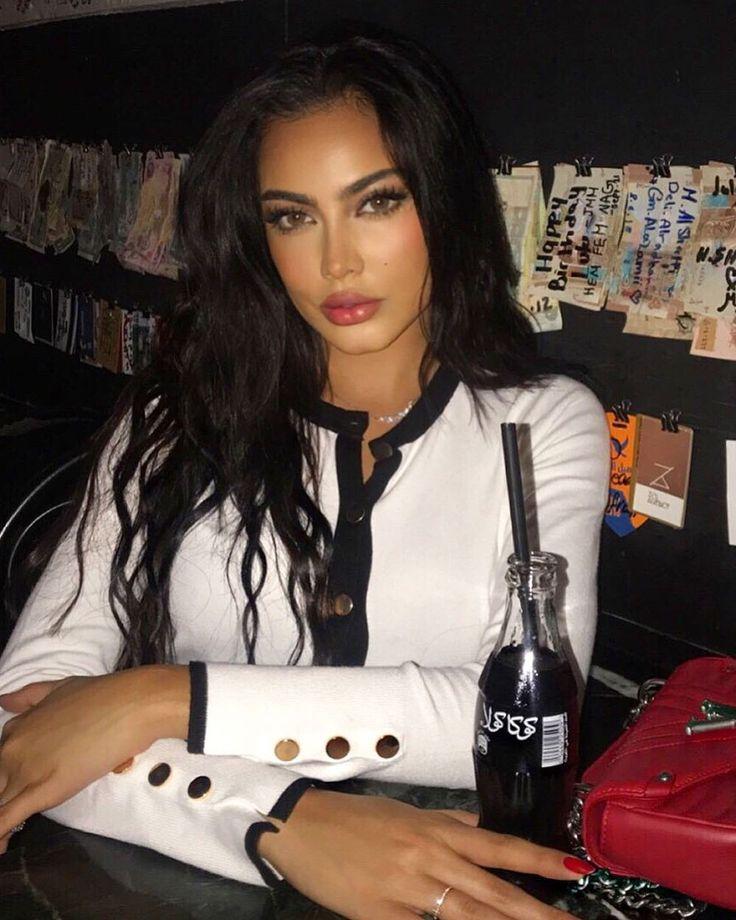 Fatima Almomen فاطمة المؤمن Kuwaiti Beauty Kuwaiti Girls Arab Wome Almomen Arab Beauty Fatima Girls Kuw Beauty Beautiful Women Faces Makeup Looks