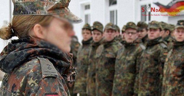 Alman elit askerlerin yetiştirildiği Staufer Kışlası'nda cinsel taciz skandalı!