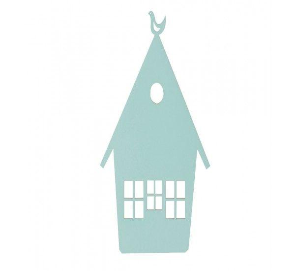 House Lamp è una lampada da muro decorativa per la camera dei bambini firmata Ferm Living. House Lamp ha un design che ricorda una casa sull'albero, adatta ad illuminare qualsiasi attività dei vostri bambini.La lampada è disponibile in due finiture : rovere affumicato e laccato azzurro. Nota - Spediamo le lampade soltanto all'interno dell'UE + NO + CH.
