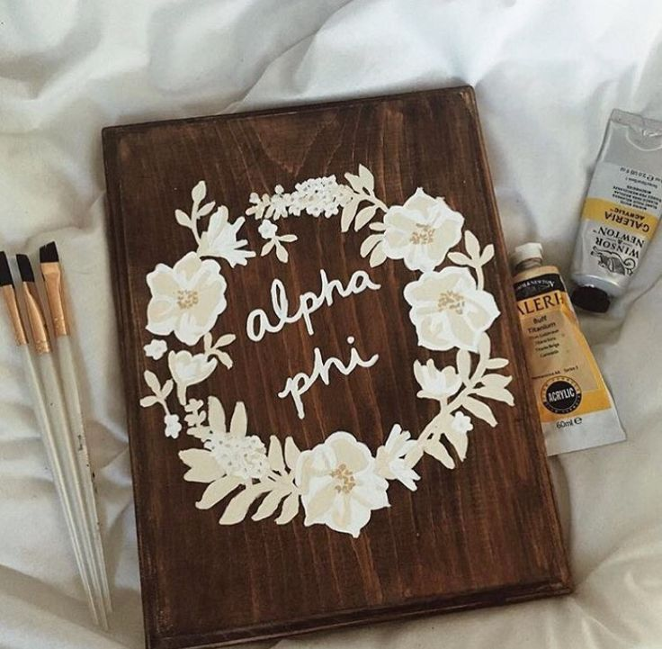 Gorgeous hand painted Alpha Phi sign by Makena Blacquiere
