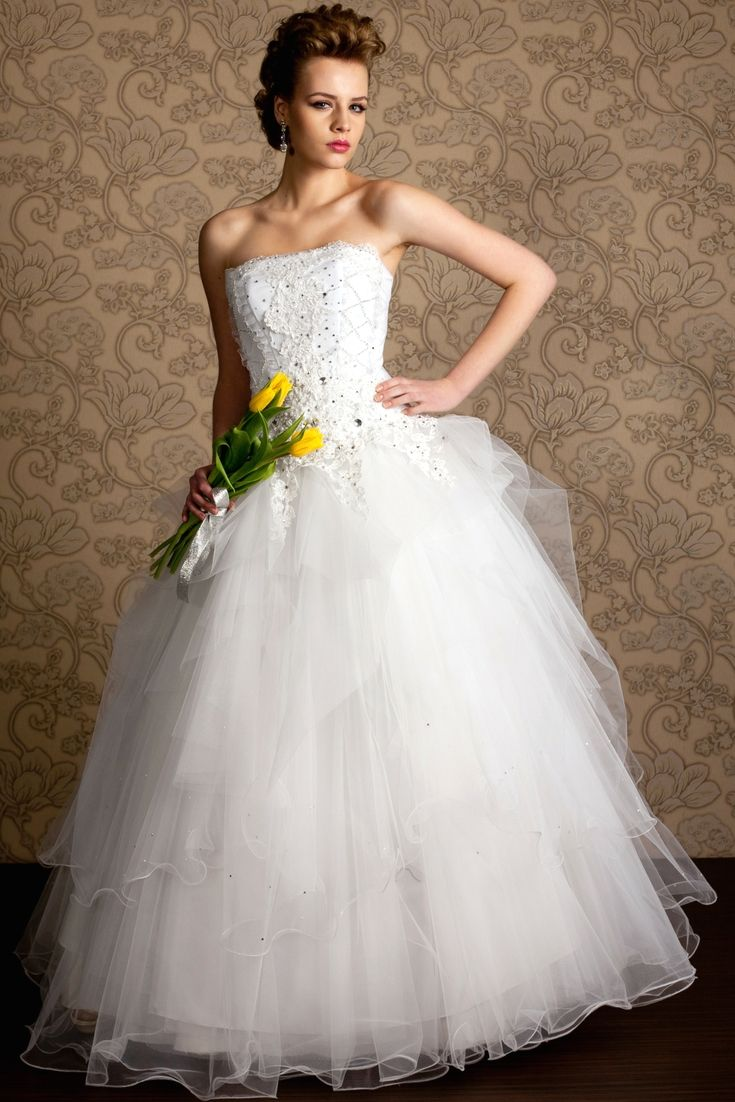 Wedding dress trends to lookout for your own special day