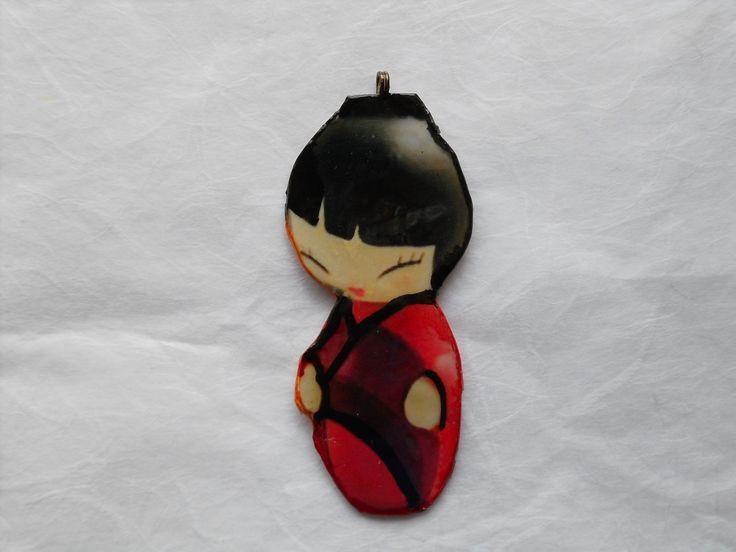 Le Kokeshi (こけし kokeshi?) sono un tipo di bambole tradizionali giapponesi, originarie della regione di Tōhoku. Realizzate manualmente in legno, hanno un busto semplice cilindrico e una larga testa sferica, con poche linee stilizzate a definire i caratteri del viso. Una caratteristica delle bambole Kokeshi è la mancanza di braccia e gambe.