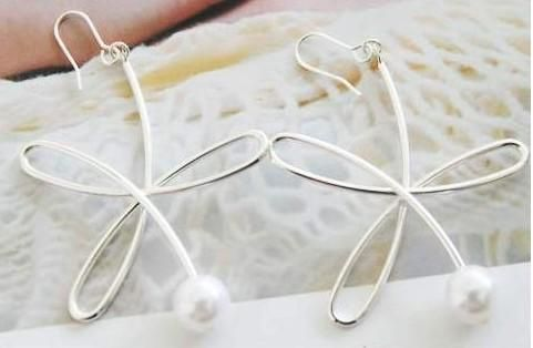 Wire Flower & Pearl Earrings