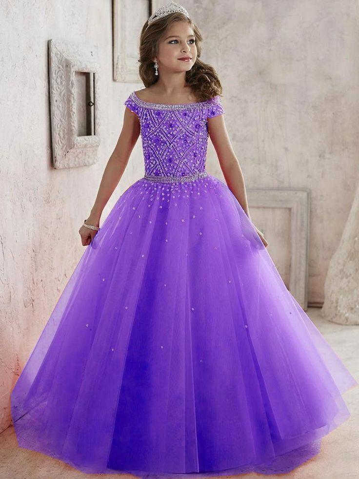 Les 25 meilleures id es de la cat gorie robes de premi re for Robes de taille plus pas cher pour les mariages