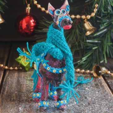 Daniel horse, toys for Christmas tree made of polymer clay with elements crocheted Height figurine 12 cm, is made of polymer clay, crocheted scarf, there is a loop for that would hang on the Christmas tree. Perhaps the horses do the same for us that Daniel would not be bored on one tree