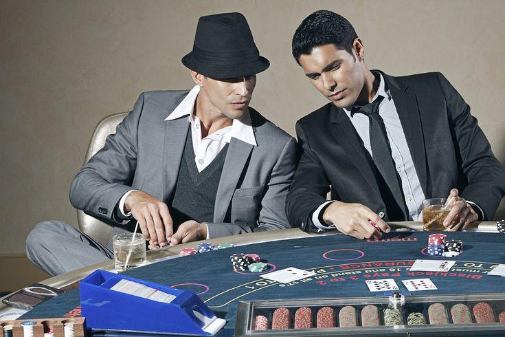 7 Ways Online Casinos Beat Real World Casinos - http://www.insanevisions.com/7-ways-online-casinos-beat-real-world-casinos