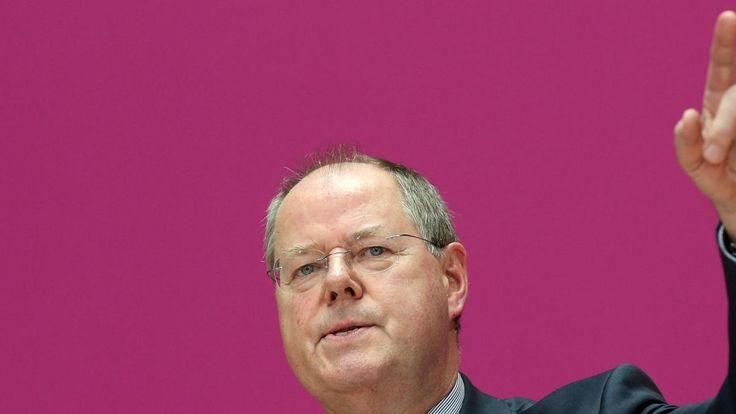 Der SPD-Kanzlerkandidat greift an: Vor seiner Partei hält er im Willy-Brandt-Haus eine flammende Rede. Vorgänger Steinbrück überzeugt er nicht. Fokus? Zu eng. Stil? Ausbaufähig. Steinbrücks Empfehlung ist ungewöhnlich.