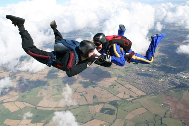 Not many people survive a fall from thousands of feet in the air. But incredibly, two women did just that due to the selfless acts of two men. The first man gave his life to save a person he had only just met. Skydiving instructor Robert Cook and his student, Kimberley Dear, were heading to the sky for her first jump when the plane's engine failed. In an incredible act of bravery, Cook told Dear to sit on his lap, hooking their harnesses together. As the plane crashed to the ground, Cook's…